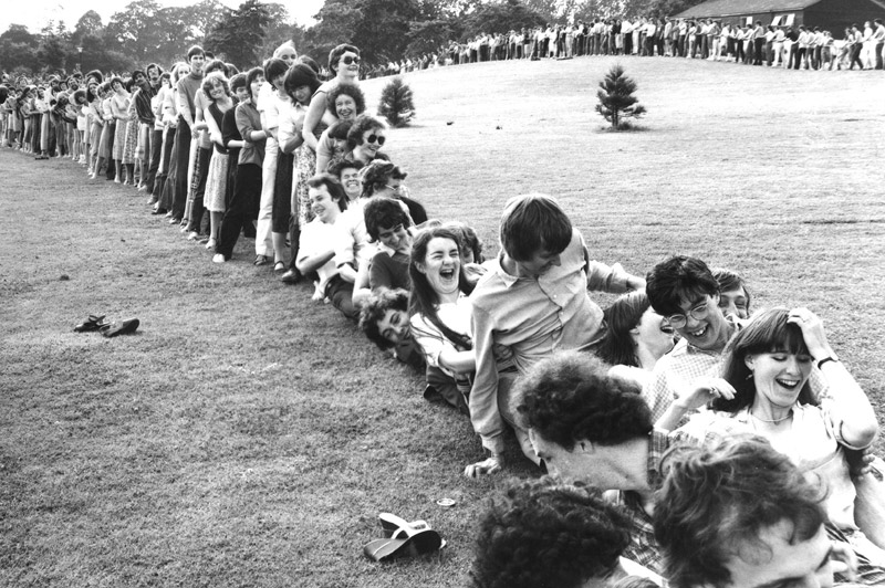 Image: Human dominoes, a (brief) world record at the 1981 Summer Spectacular