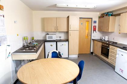 <p>A band 3 kitchen in Alcuin College.</p>