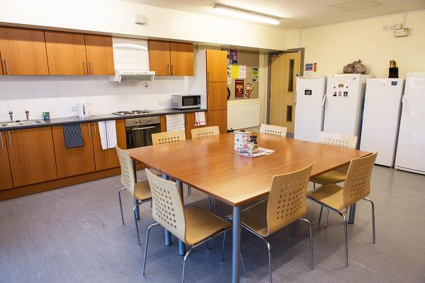 <p>A band 3 ensuite kitchen in Alcuin College.</p>