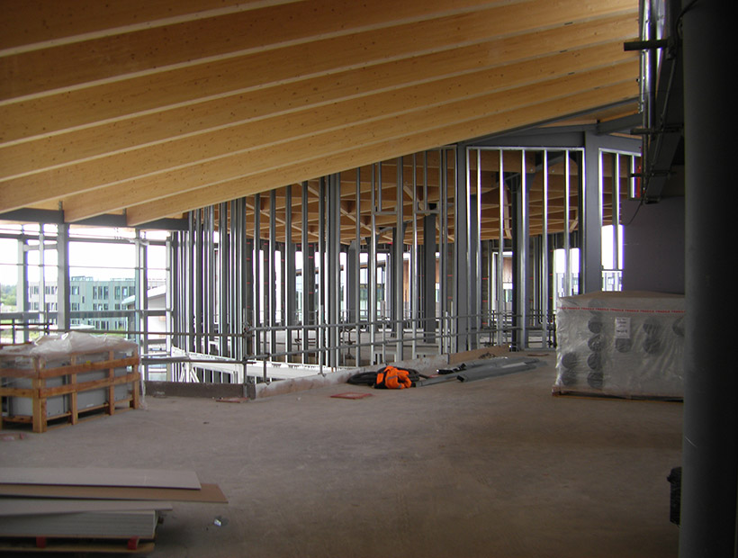 Image: Piazza second floor, atrium ceiling with study space behind