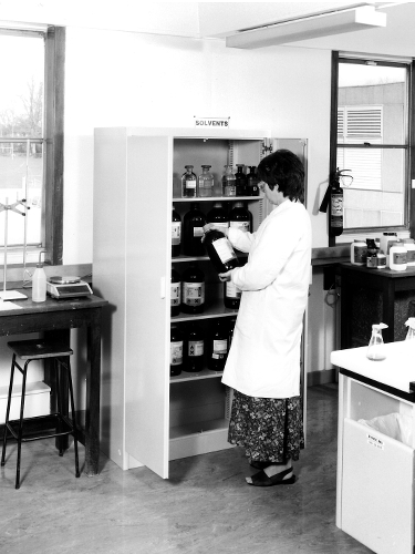 Image: Jean Humpherson in the teaching laboratories