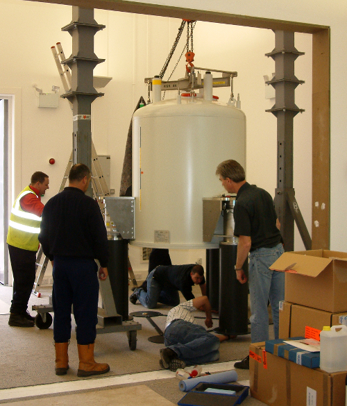 Image: Installing new NMR magnet in NMR building