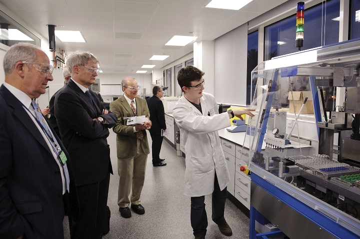 Opening of Dorothy Hodgkin 2 laboratory tour