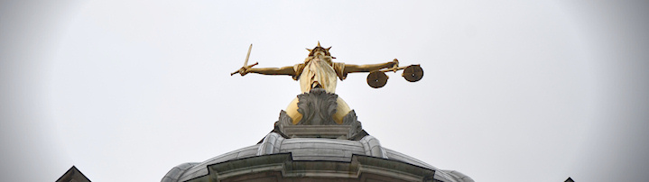 Scales of Justice atop Old Bailey, London - Photo (cc) flickr.com/bensutherland