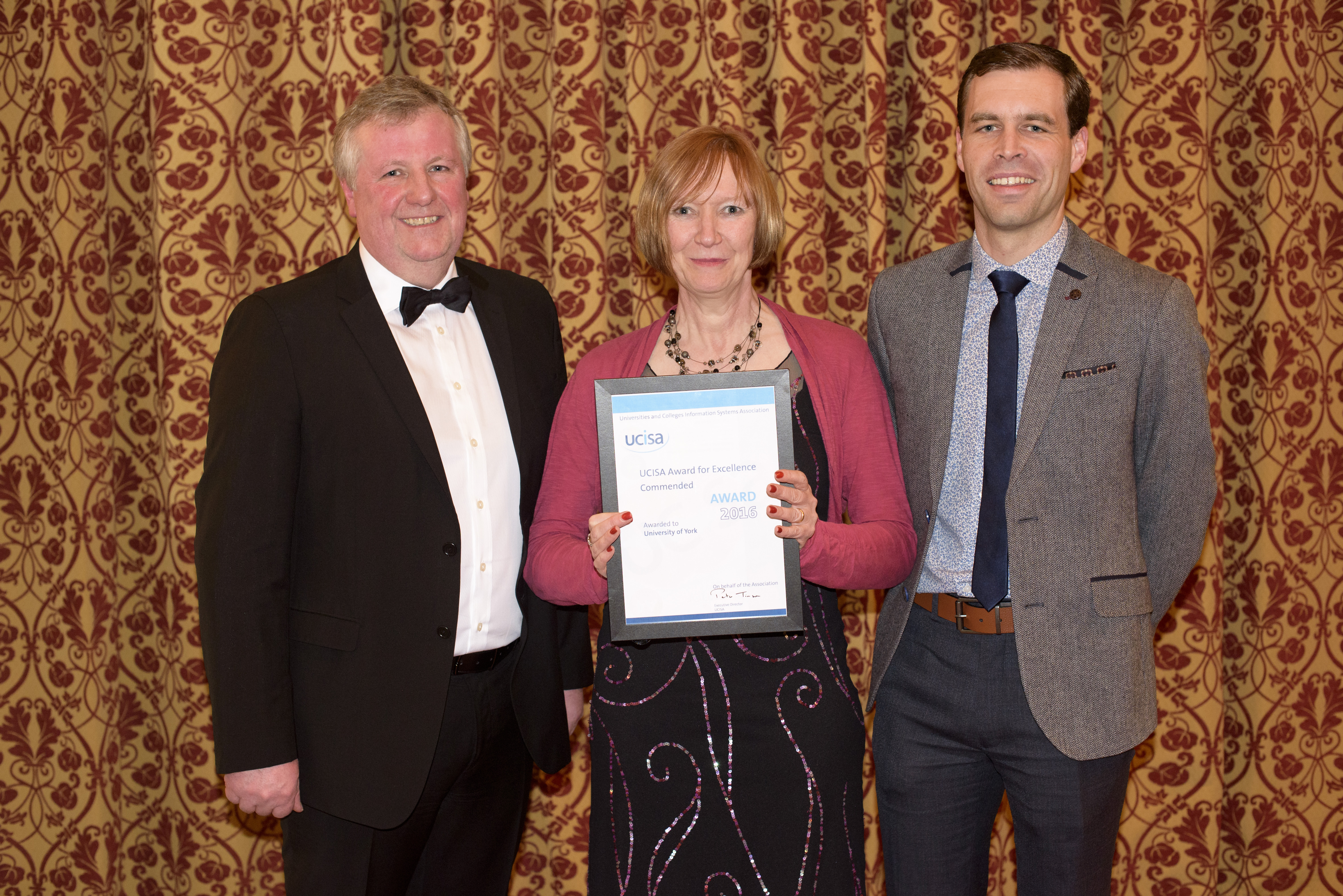 Heidi Fraser-Krauss and Andrew Main are presented with a Commended certificate in the 2016 UCISA Award for Excellence.