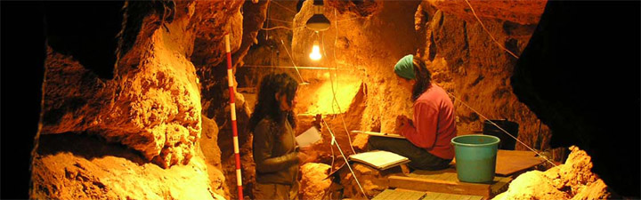 Researchers working in El Sidrón Cave. Credit: CSIC Comunicación
