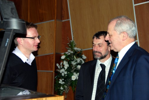 Dr Marek Kukula with Professors Brian Cantor and Brian Fulton