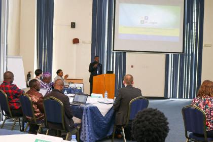 <p>Dr Sunday Ekesi,&nbsp;Director of Research and Partnership at icipe,&nbsp;presents</p>