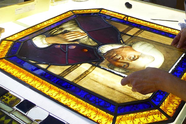 stained glass lifting faceplate